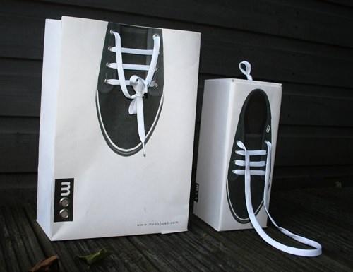 In túi giấy đựng giày patin