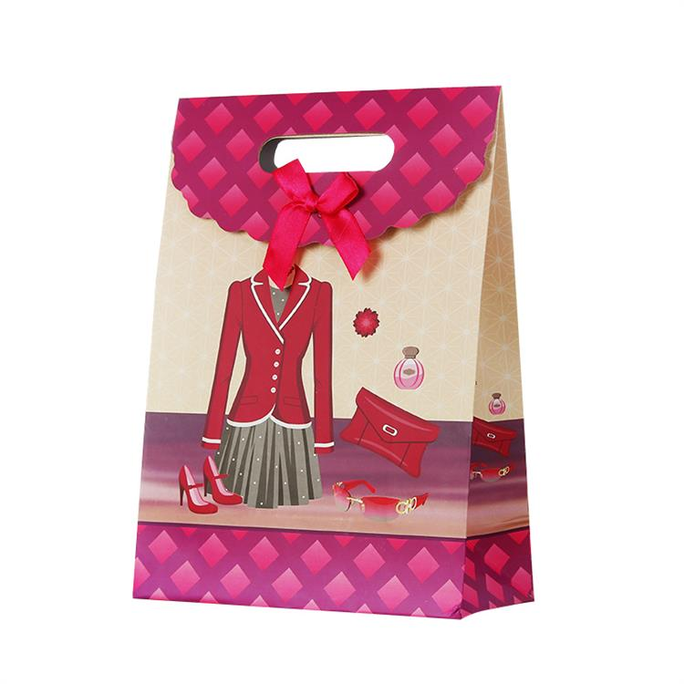Sử dụng thiết kế túi giấy cho sản phẩm của bạn