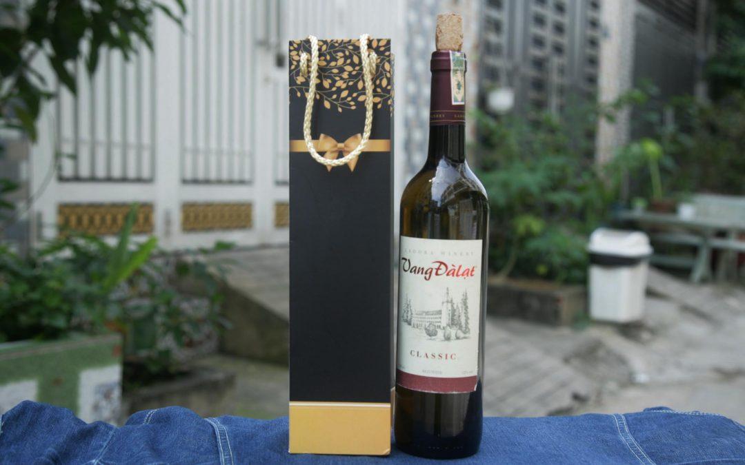 Tầm quan trọng của in túi giấy đựng rượu đối với các cơ sở kinh doanh